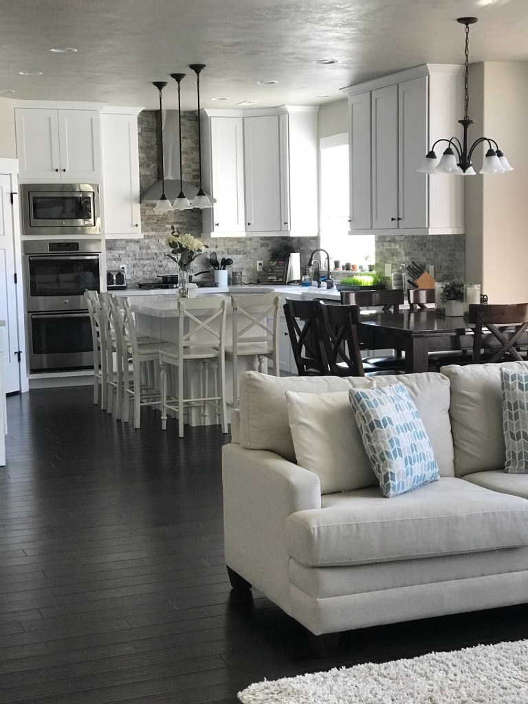 How to Get Your Home Organized and Guest Ready with Routines #homebakedjoy