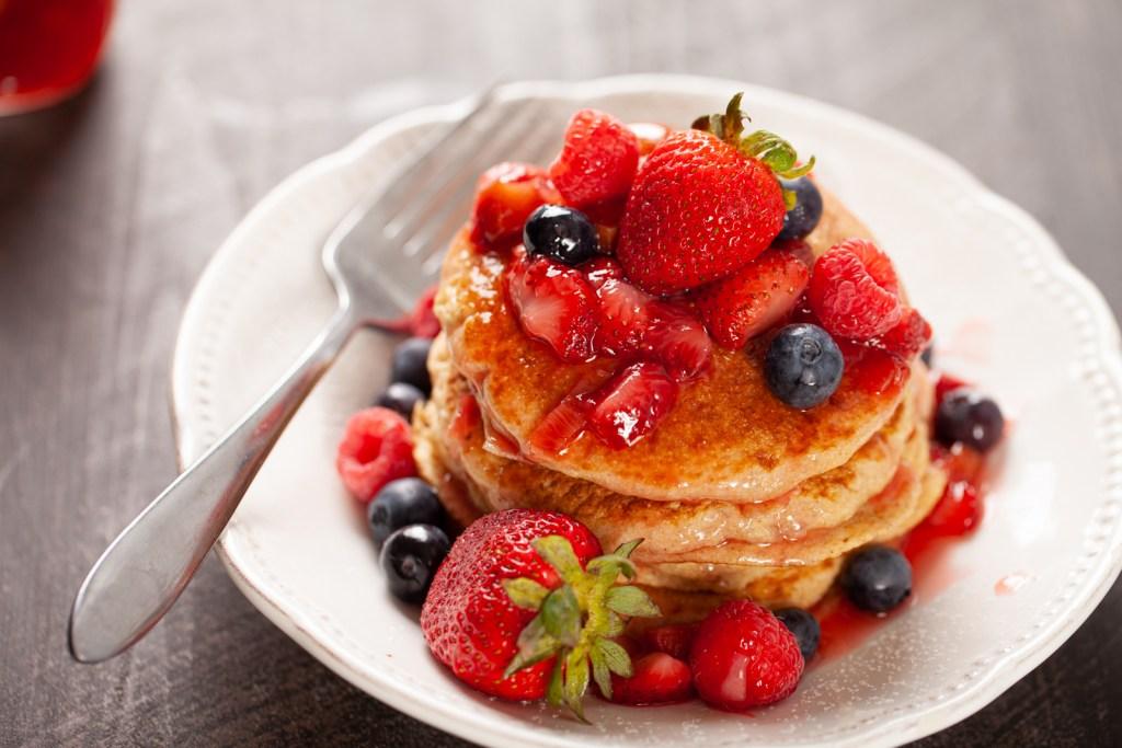 organic low sugar strawberry rhubarb syrup recipe #homebakedjoy