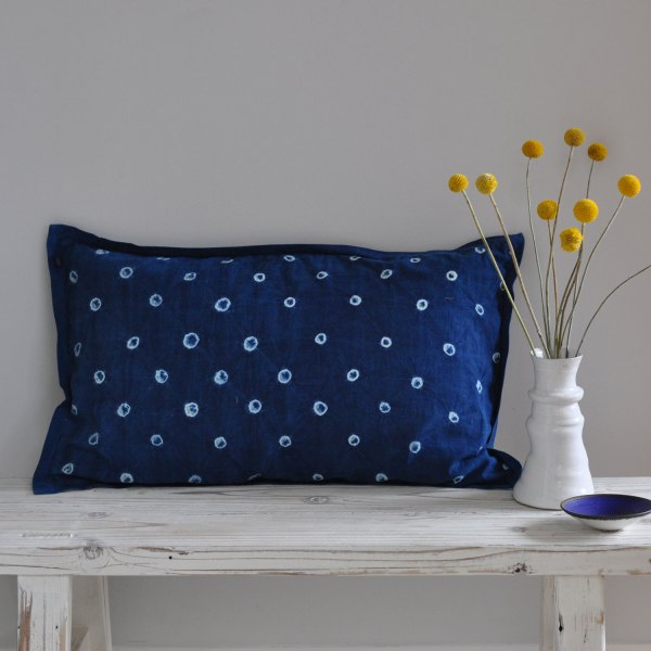 Indigo 50 x 30 Cushion - Tie Dyed Circles
