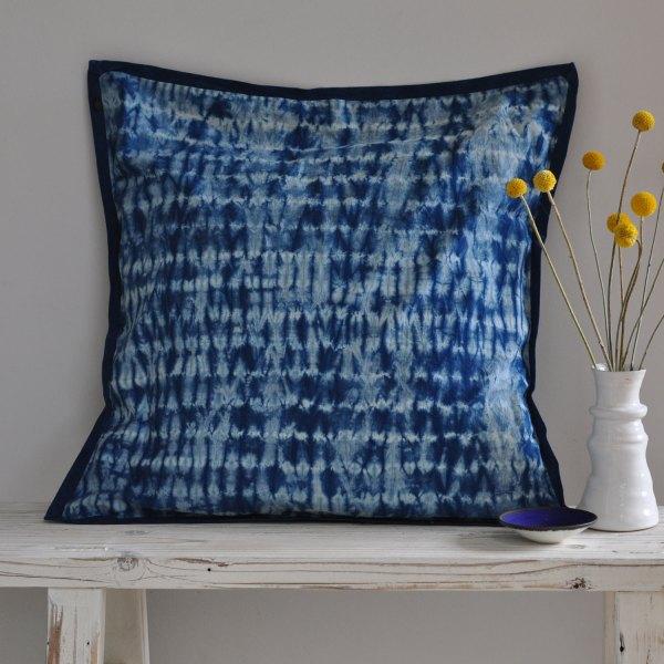 homebarn-indigo-pillow-tiedye