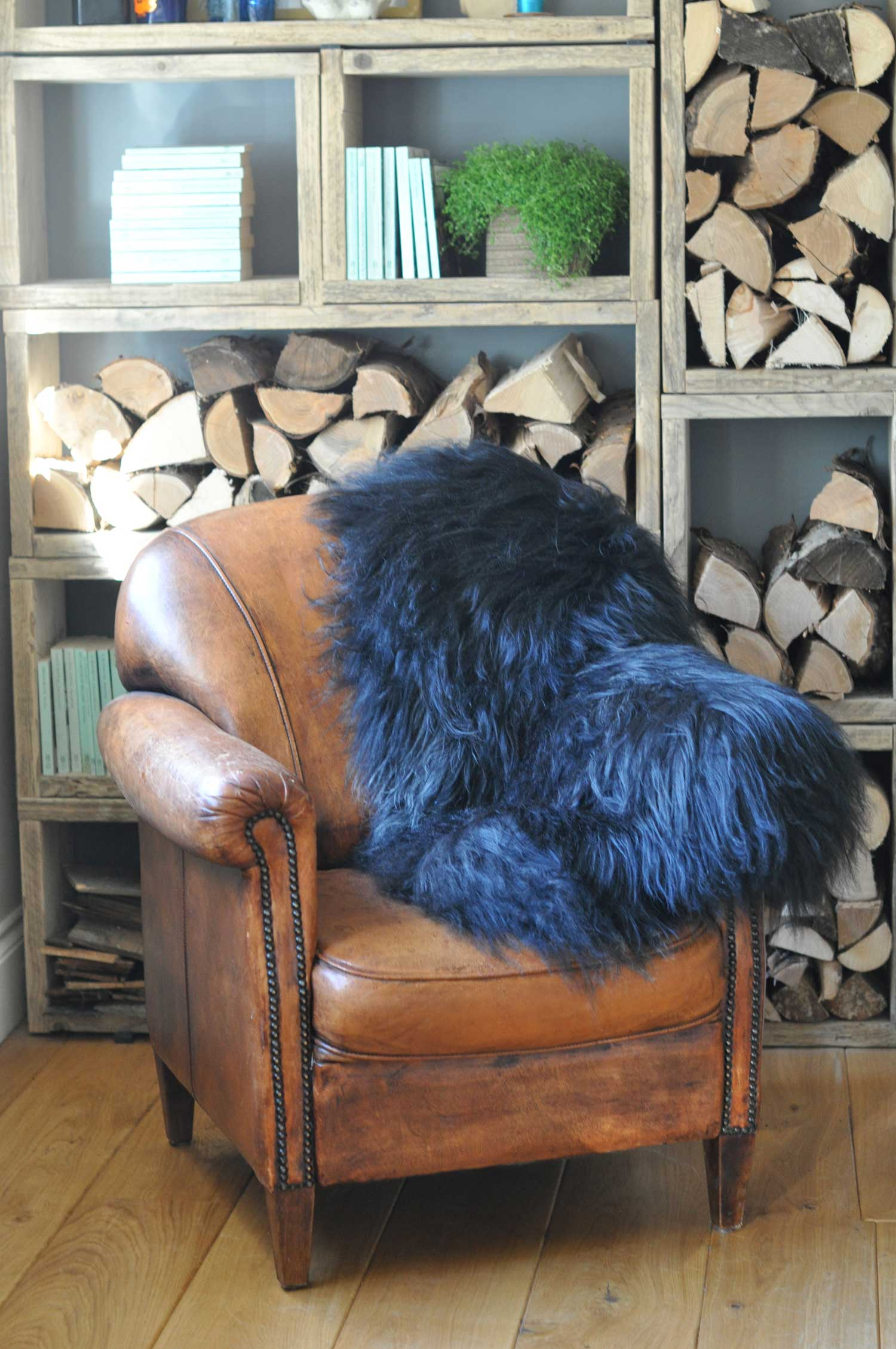 black-Icelandic-Sheep-skins-rugs