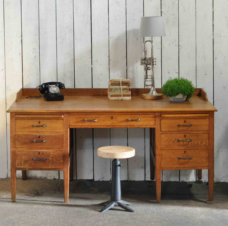 1930's Vintage Oak Gentleman's Desk and Drawers