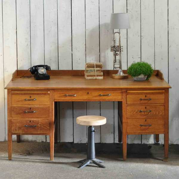 1930's Vintage Oak Gentleman's Desk and Drawers