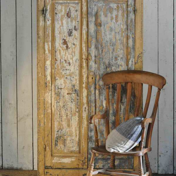 Vintage French Rustic Paintwork 2 Door Cabinet With Drawer