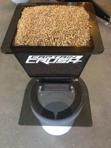 Hands On Review: Captain Crush, Adjustable Three Roller Grain Mill - Including Mash Tests
