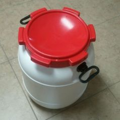 13 Gallon HDPE Food Safe Fermenter Grain Storage