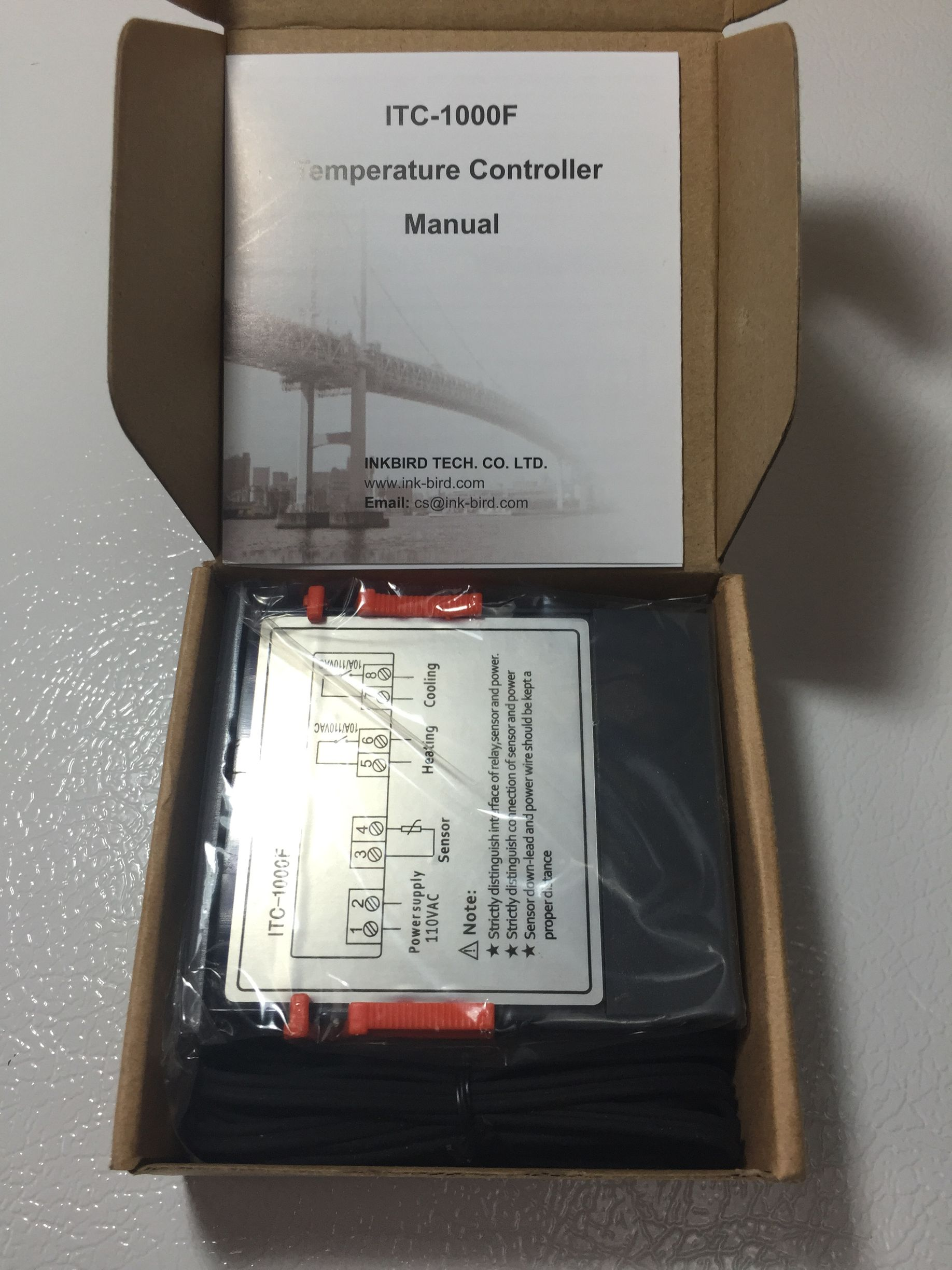 Box opened. You get the dual stage controller, temperature probe and  manual. ITC-1000 Homebrew Temperature Controller Build