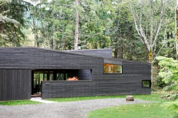 1-Courtyard House on a River-MW
