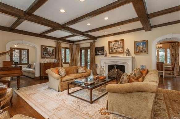Tudor-Architectural-Style-5-min