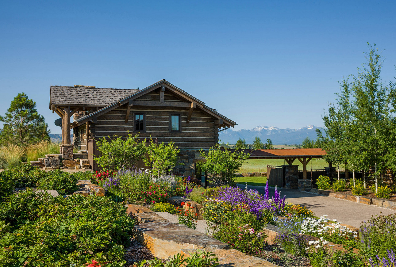 10 Things to Know About Building a Log Home - Home Bunch ... on Mountain Backyard Ideas id=61309