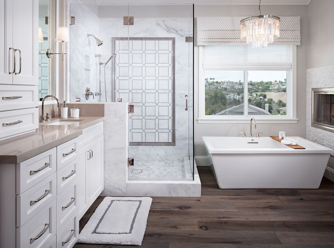 Neutral Bathroom Design Ideas. Beautiful bathroom with neutral elements. Neutral Master Bathroom. Neutral Bathroom Design Ideas. Neutral Master Bathrooms #NeutralBathroom #NeutralBathrooms #NeutralBathroomDesign #NeutralBathroomDesignIdeas #NeutralMasterBathroom Tracy Lynn Studio