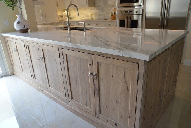 White Kitchen with Driftwood Peninsula - Home Bunch ... on Rustic:rkh3E0Gkuju= Farmhouse Kitchen Ideas  id=24204