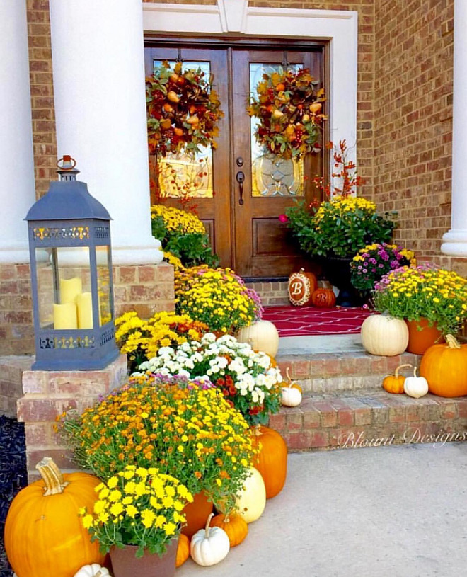 A front entry can't feel more Fall festive than this! #fall #entry #festive