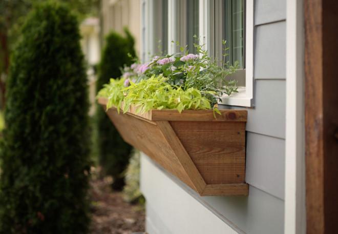 DIY Window Box. DIY Window planter. Window box. Cedar window box. Custom made cedar window box #windowbox #cedar #custommade #diywindowbox Willow Homes