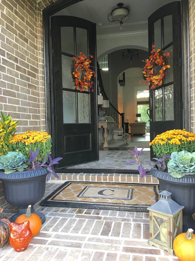 Front entry fall decor. Welcoming Front entry fall decor. Front entry fall decor. Front entry fall decor. Front entry fall decor #Frontentryfalldecor #Frontentry #falldecor #entryfalldecor @classicstylehome