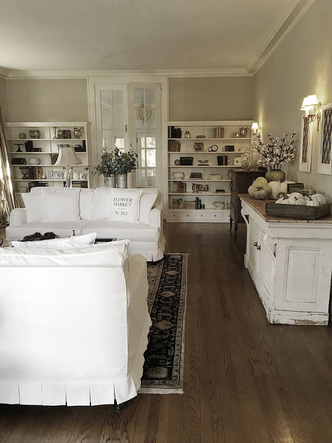 Living room built in bookcases. Beautiful Homes of Instagram @my100yearoldhome