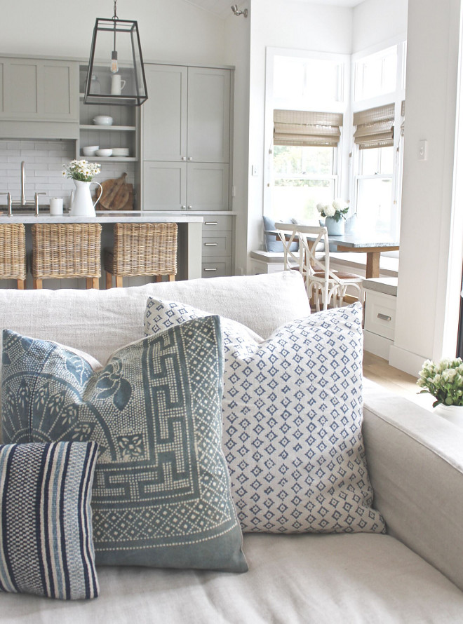 Pillows. Throw pillows. Great pillow combination for white sofas. Boho Pillows Pillows #pillows #pillowforwhitesofa #pillowcombo #pillowcombination #Boho #Bohopillows Beautiful Homes of Instagram @urban_farmhouse_build