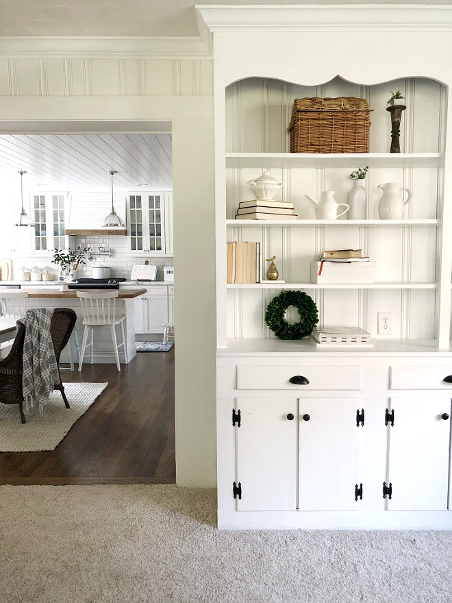 Sherwin Williams Alabaster Off white paint color Sherwin Williams Alabaster #SherwinWilliamsAlabaster