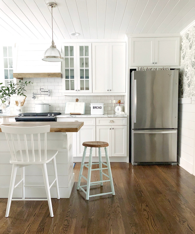 Sherwin Williams Pure White Sherwin Williams Pure White is a fantastic white for kitchen cabinets Sherwin Williams Pure White Sherwin Williams Pure White #SherwinWilliamsPureWhite