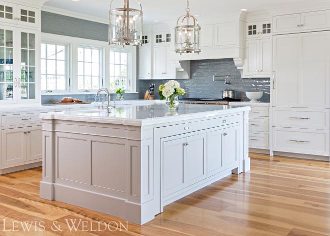 White kitchen with Oak Hardwood Floor Classic White kitchen with Oak Hardwood Floor #Whitekitchen #OakHardwoodFloor