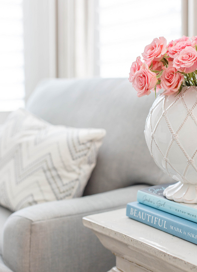 Accent table decorating ideas Decorating side table accent tables