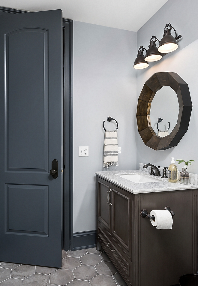 Benjamin Moore Owl Gray 2137-60 wall color