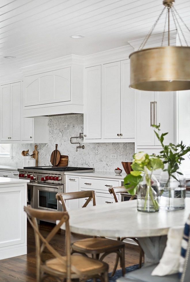 Benjamin Moore White Heron Kitchen paint color white Kitchen paint color Benjamin Moore White Heron #Kitchenpaintcolor #Kitchen #paintcolor #BenjaminMooreWhiteHeron