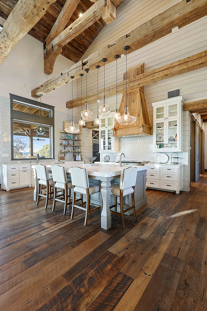 Kitchen Reclaimed Oak Plank Hardwood floor source on Home Bunch Kitchen Reclaimed Oak Plank Hardwood floor Kitchen Reclaimed Oak Plank Hardwood floor sources Kitchen Reclaimed Oak Plank Hardwood floor #Kitchenreclaimedfloor #ReclaimedOakPlankHardwoodfloor #OakPlankHardwoodfloor #reclaimedfloor