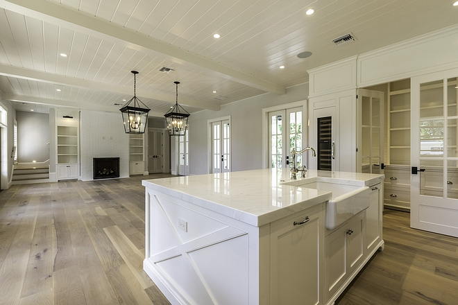 Benjamin Moore White Dove OC 17 Floor to ceiling Benjamin Moore White Dove OC 17 Benjamin Moore White Dove OC 17 with wide plank hardwood flooring Benjamin Moore White Dove OC 17 #BenjaminMooreWhiteDoveOC17 #BenjaminMoore #WhiteDove #OC17 #BenjaminMooreWhiteDove
