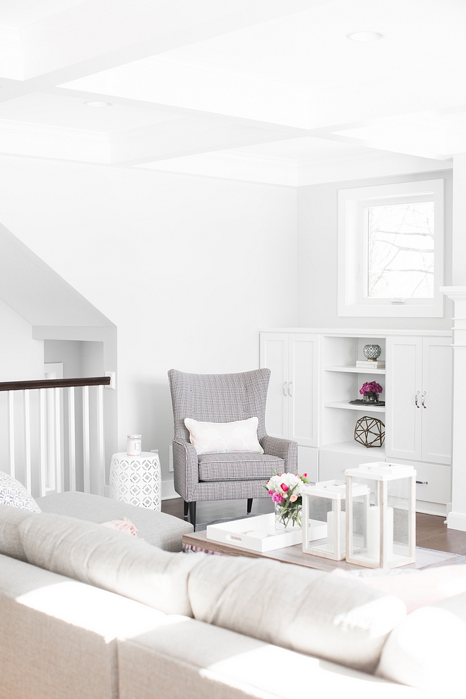 Benjamin Moore Decorator's White Benjamin Moore Decorator's White Paint color Benjamin Moore Decorator's White #BenjaminMooreDecoratorsWhite