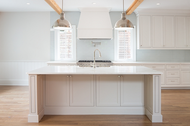 Kitchen cabinet paint color Sherwin Williams Snowbound Kitchen Island Paint Color Sherwin-Williams SW 7022 Alpaca Neutral paint color for kitchens #kitchen #paintcolor #Neutralpaintcolorforkitchens