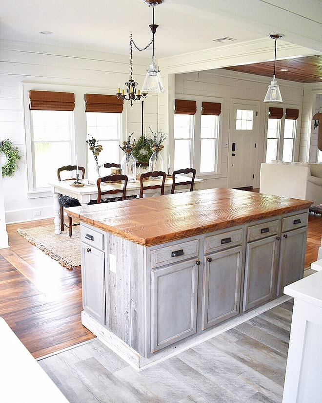 Salvage wood kitchen island Reclaimed kitchen island Salvage wood kitchen island design Salvage wood kitchen island ideas DIY Salvage wood kitchen island #Salvagewoodisland
