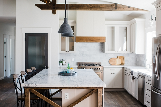 Bianco Venatino Marble Kitchen countertop is Bianco Venatino Marble, in a honed finish #BiancoVenatinoMarble #kitchencountertop #Marblecountertop
