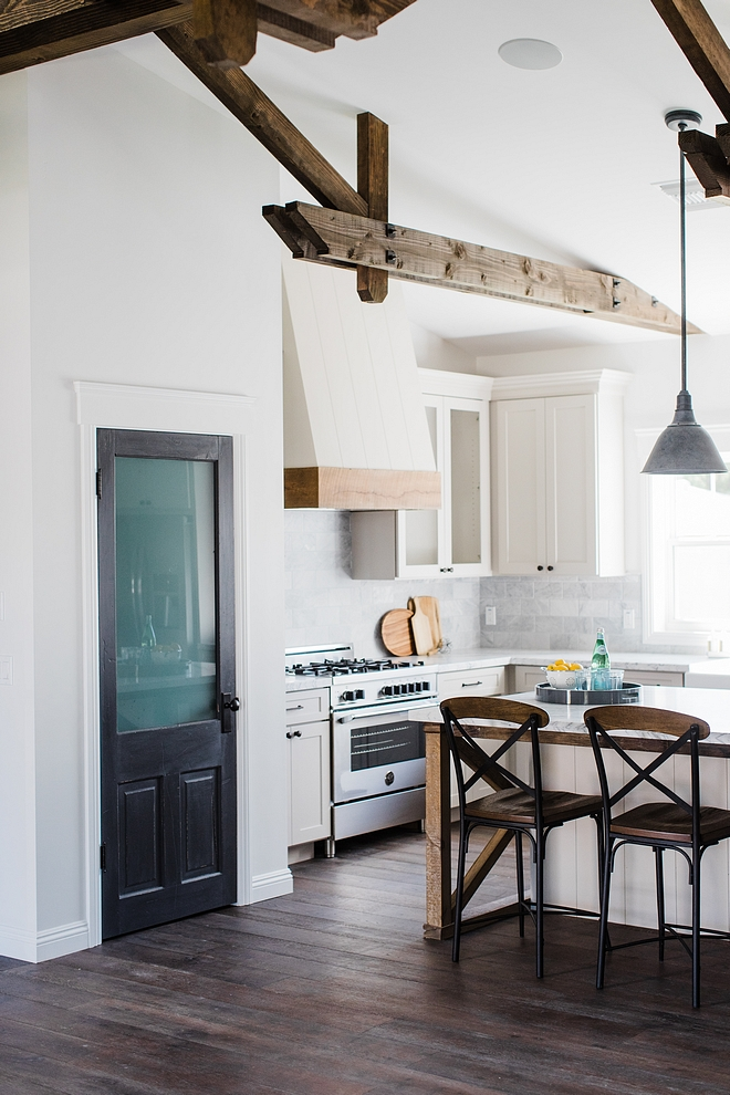 Farmhouse Kitchen Farmhouse Kitchen Pantry Door Farmhouse Kitchen with Black pantry door Farmhouse Kitchen #FarmhouseKitchen #pantry #pantrydoor #blackpantrydoor