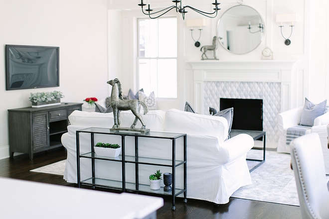 White and grey family room White and grey family room color scheme White and grey family room see sources on Home Bunch #Whiteandgrey #familyroom