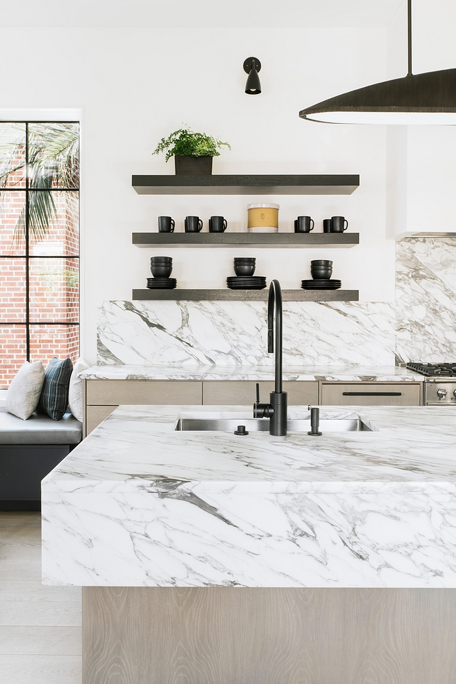 Calcutta Cervaoile Honed Marble countertop and slab backsplash Calcutta Cervaoile Honed Marble Stunning marble Calcutta Cervaoile Honed Marble #CalcuttaCervaoile #CalcuttaCervaoilemarble #HonedMarble