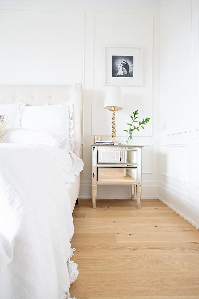 Benjamin Moore Simply White We painted the millwork the same colour as the walls Benjamin Moore Simply White #BenjaminMooreSimplyWhite