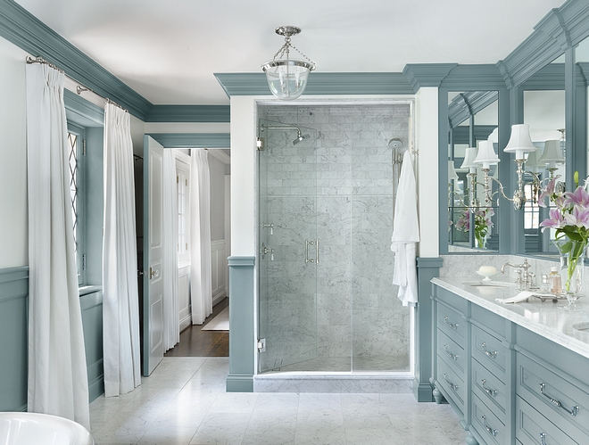 Bathroom What a beautiful and fresh bathroom design Not everyone would choose this color to use in a bathroom but I think it's very inspiring, not to mention that this color works perfectly with the veins found in the marble tile #Bathroom