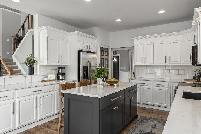 Benjamin Moore Chantilly Lace Best white paint color to use on existent cabinets Benjamin Moore Chantilly Lace Benjamin Moore Chantilly Lace #BenjaminMooreChantillyLace