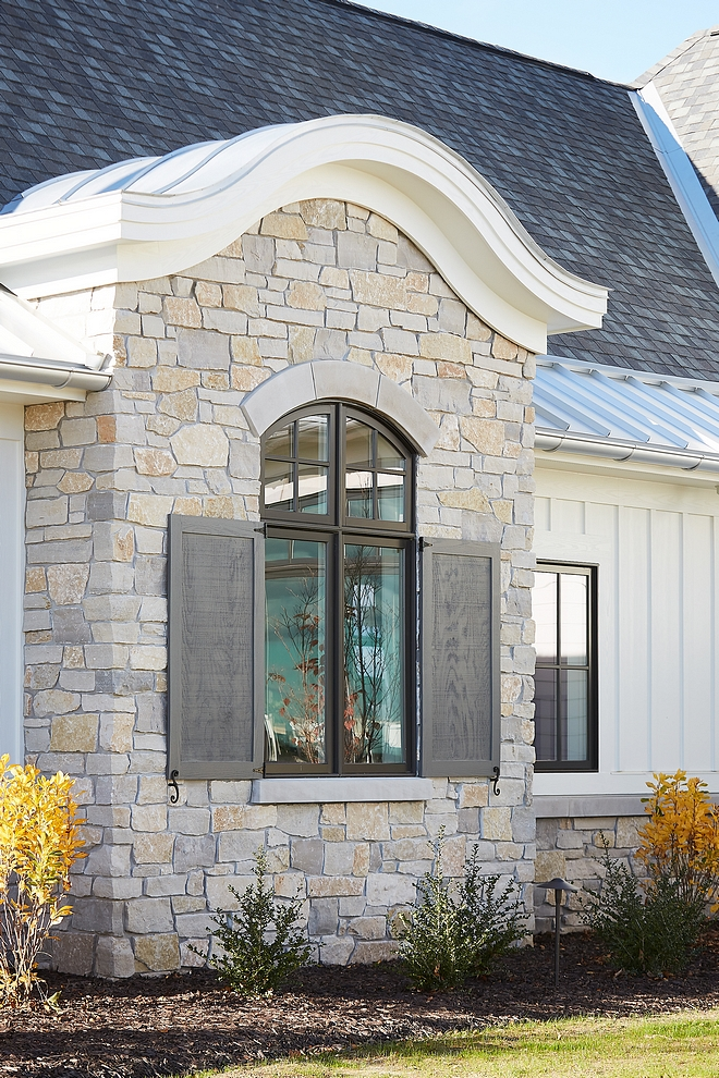 Natural Exterior Stone Blend Stone Mill Old Mission Bucchel Charcoal Cobble Creek exterior stone Natural Exterior Stone Blend #exteriorstone #stone #siding #Naturalstone #StoneBlend