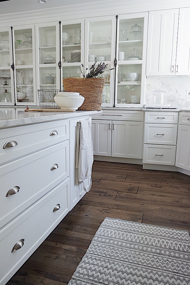 Benjamin Moore Advance Paint on kitchen cabinets Benjamin Moore Snowfall White Benjamin Moore Advance Paint Benjamin Moore Advance Paint #BenjaminMooreAdvance #BenjaminMooreAdvancePaint #BenjaminMooreAdvancePaintoncabinet #kitchencabinet