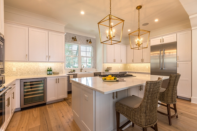 Simply White by Benjamin Moore Simply White by Benjamin Moore kitchen walls Simply White by Benjamin Moore #SimplyWhitebyBenjaminMoore