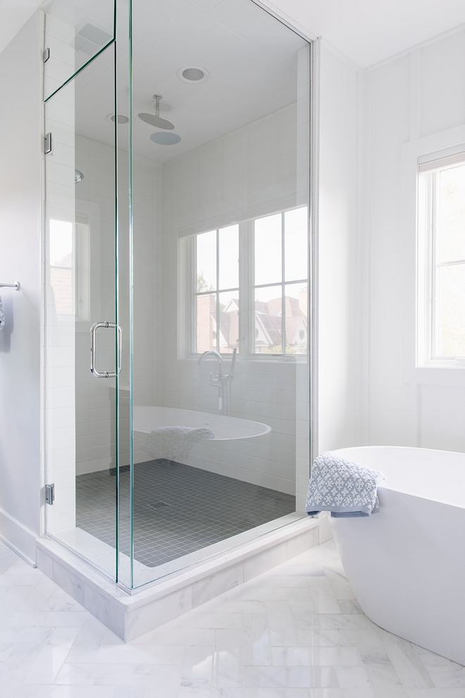 Simple Shower Tiling Modern Farmhouse clean look shower Shower Tiling sources on Home Bunch Shower Tiling #ShowerTiling