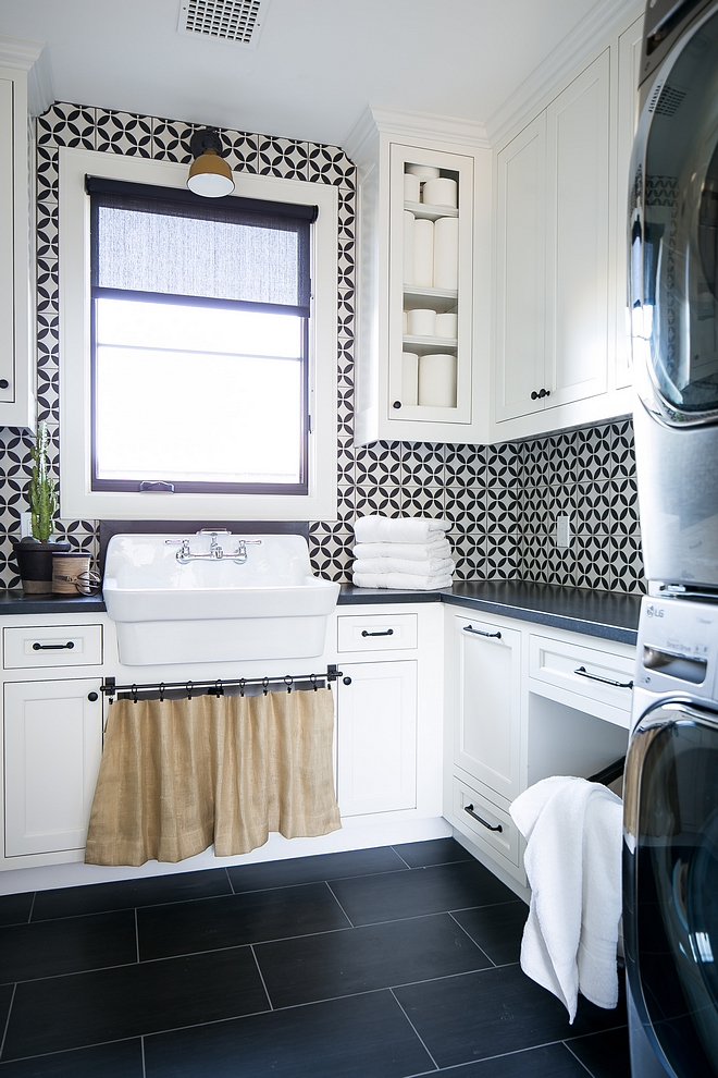 """Laundry room with 12""""x24"""" porcelain floor tile Laundry room porcelain floor tile #Laundryroom #porcelainfloortile #floortile #laundryroomfloortile"""