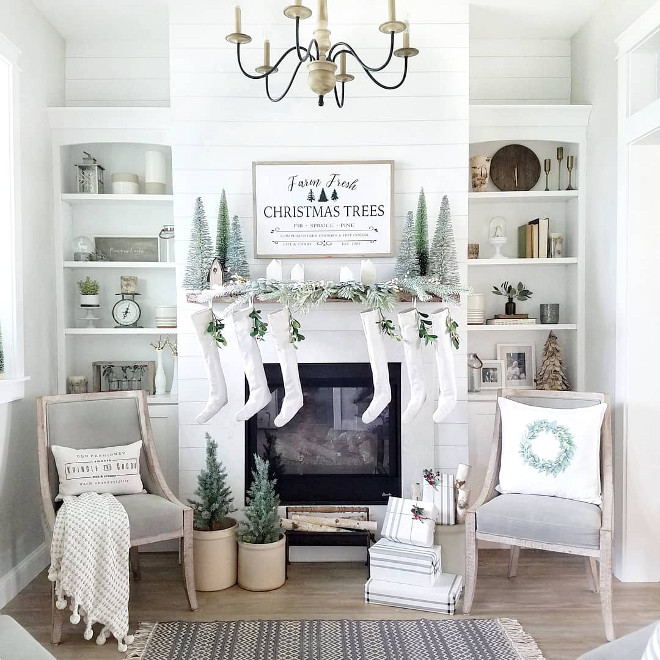 White Christmas Decor How to decorate with white Christmas decor Paint is Sherwin-Williams Pure White #Paint #SherwinWilliamsPureWhite