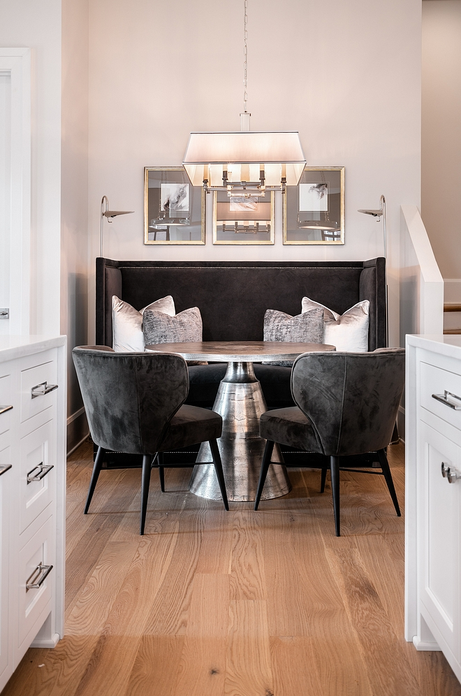 Breakfast room without custom banquette Breakfast room store bought banquette #Breakfastroom #banquette