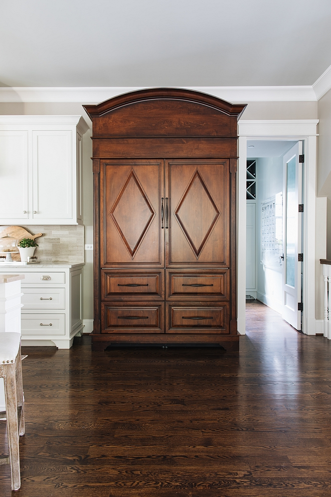 Refrigerator Cabinetry Can you guess what's behind this stunning custom cabinet? If you said refrigerator and freezer you are correct! A Subzero Refrigerator and Freezer are incased in cabinetry Refrigerator Cabinetry Refrigerator Cabinetry #RefrigeratorCabinetry #RefrigeratorCabinet