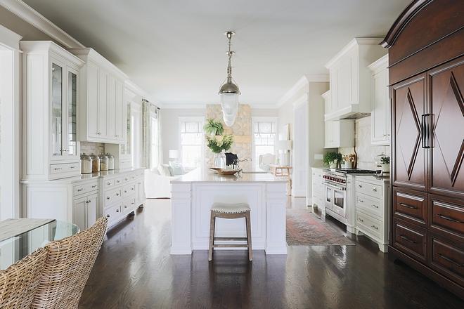 Classic Kitchens Classic white kitchen Kitchens White classic kitchen Classic Kitchen #ClassicKitchen #ClassicKitchens #ClassicwhiteKitchen