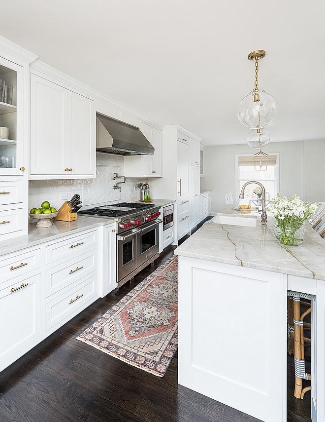 Benjamin Moore Super White Kitchen Cabinetry and Trim paint Color Benjamin Moore Super White Benjamin Moore Super White #BenjaminMooreSuperWhite