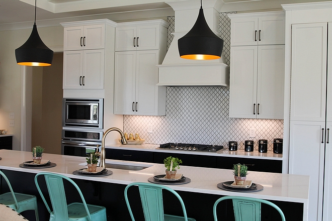 Kitchen with white upper cabinets and black lower cabinets and black island Kitchen with white upper cabinets and black lower cabinets and black island Kitchen with white upper cabinets and black lower cabinets and black island #Kitchen #kitchenwhiteuppercabinets #kitchencabinet #blacklowercabinets #blackisland